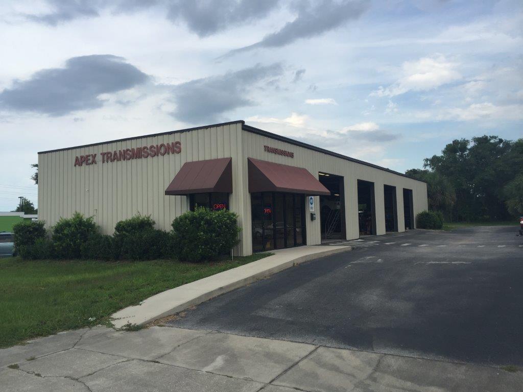 Freestanding Automotive Repair Facility